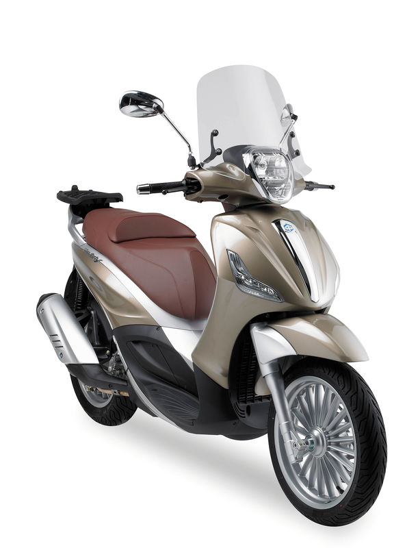 pare brise scooter givi piaggio beverly 125ie 300ie 2010 2017 beverly 350 sport touring 2012. Black Bedroom Furniture Sets. Home Design Ideas